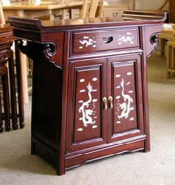 Small Chinese altar cabinet with mother of pearl inlays